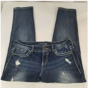 Maurices Maiko Women Distressed Cropped Size 9/10